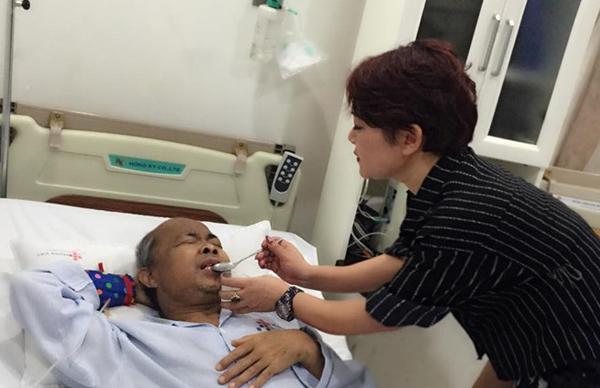 NSƯT Hán Văn Tình khóc hỏi 'không biết còn được bao lâu nữa'