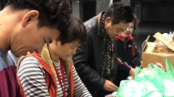 Nghệ sĩ Táo Quân 2018 ăn tối lúc khuya vì lịch tập bận rộn