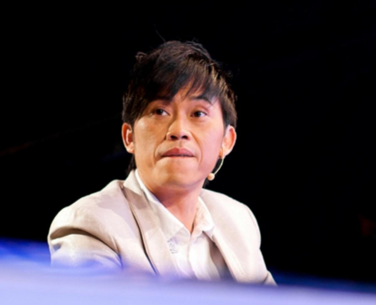 """Xứ Quảng và 3 người đàn ông """" quyền lực """" của Showbiz Việt"""
